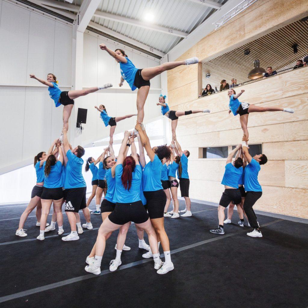 Gratis Cheerleading-Einführung im Alaïa Chalet